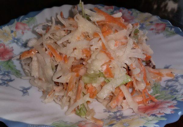 Салат из кольраби с морковью