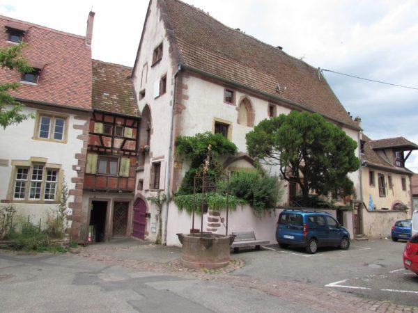 риквир riquewihr Place des Trois Eglises