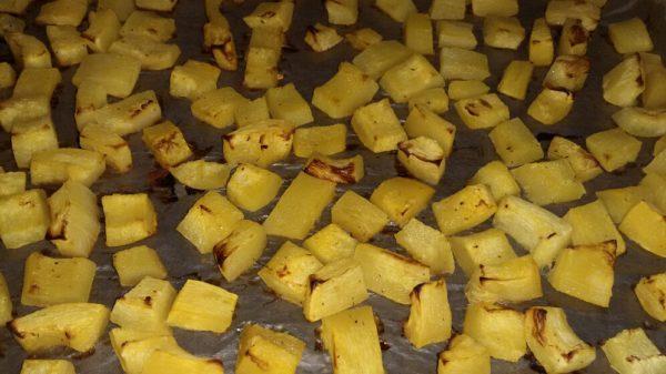 Кабачки с грецкими орехами и чесноком