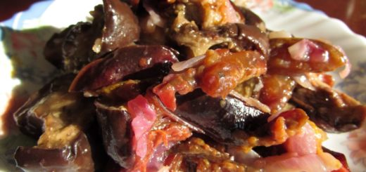 Салат из баклажанов со сливами