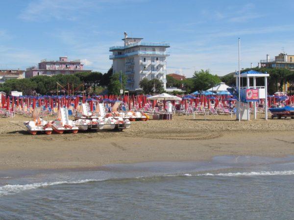 Пляж Лидо ди Езоло прокат катамаранов