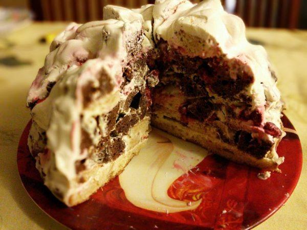 Торт Кучерявый мальчик с ягодами Кудрявый парень или кучерявый хлопец, Кучеявый пинчер или Кучерявый Панчо