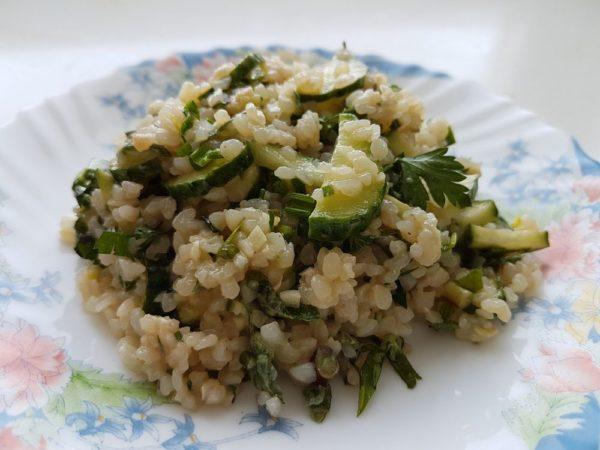 Салат из гречки с огурцами