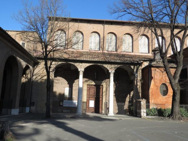 холм авентин Базилика Святой Сабины (Basilica di Santa Sabina)