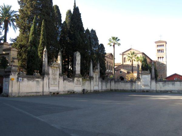холм авентин площадь Мальтийских рыцарей (piazza dei Cavalieri di Malta)
