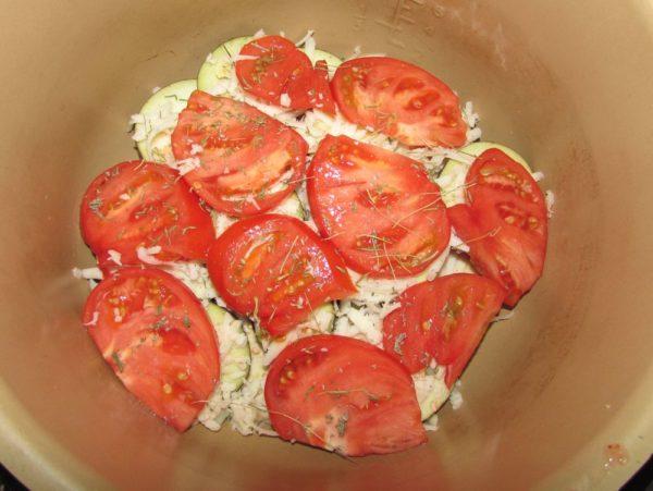 Баклажаны с помидорами и сыром в скороварке Sinbo 5033