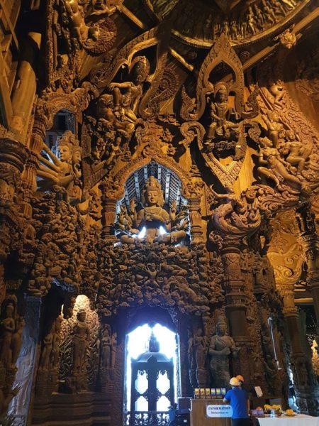 храм Истины в Паттайе (Sanctuary of Truth) кхмерский зал