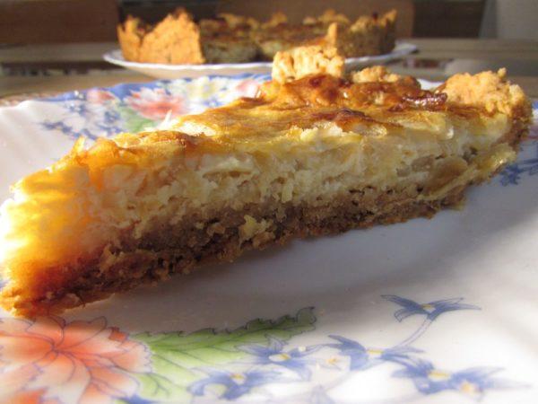 Луковый пирог с сыром по мотивам французского