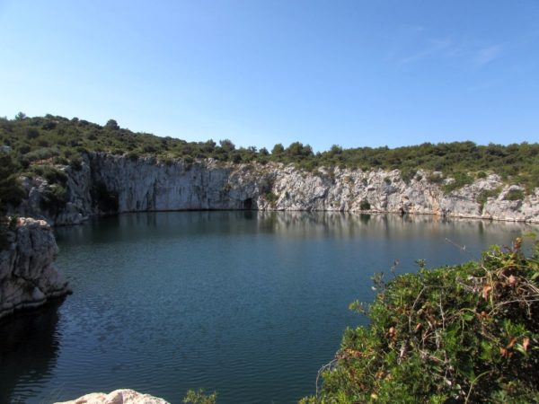 Рогозница, озеро Глаз дракона