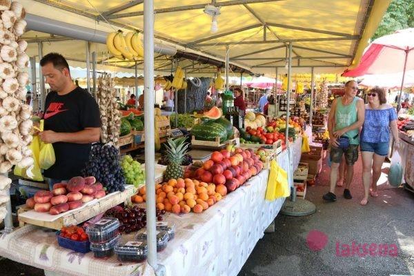 фруктово овощной рынок трогир