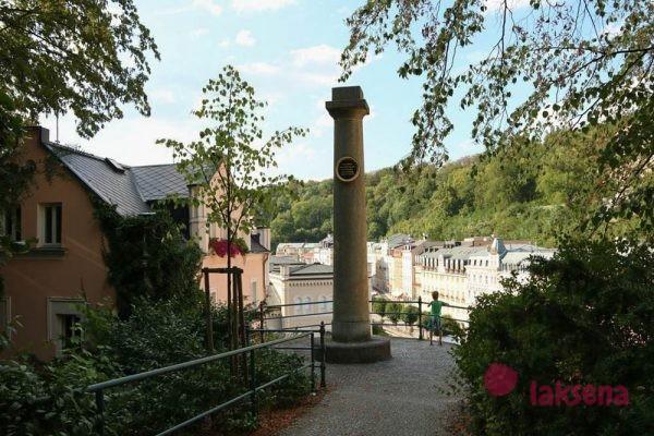 памятники Карловых Вар колонна герцогов кембриджскх