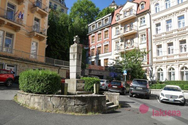 памятник евреям-жертвам нацизма