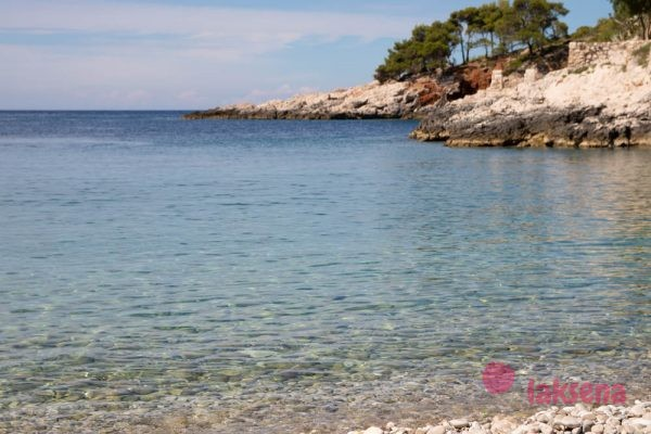 Пляж Дубовица Хвар