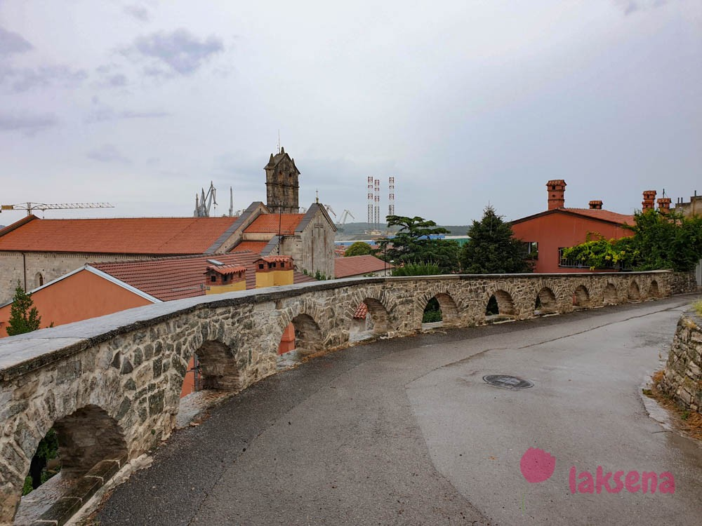 крепость каштел доминиканский монастырь пула