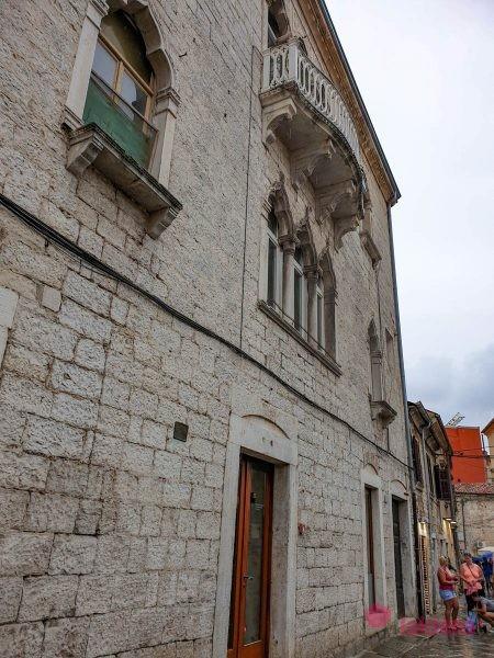 Венецианский дом пула