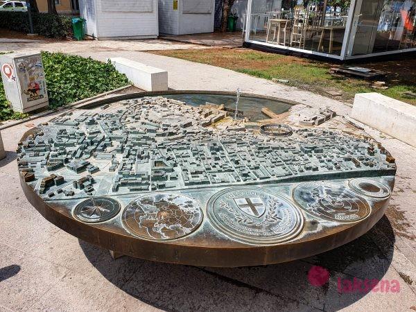Фонтан - макет Пулы в парке тито