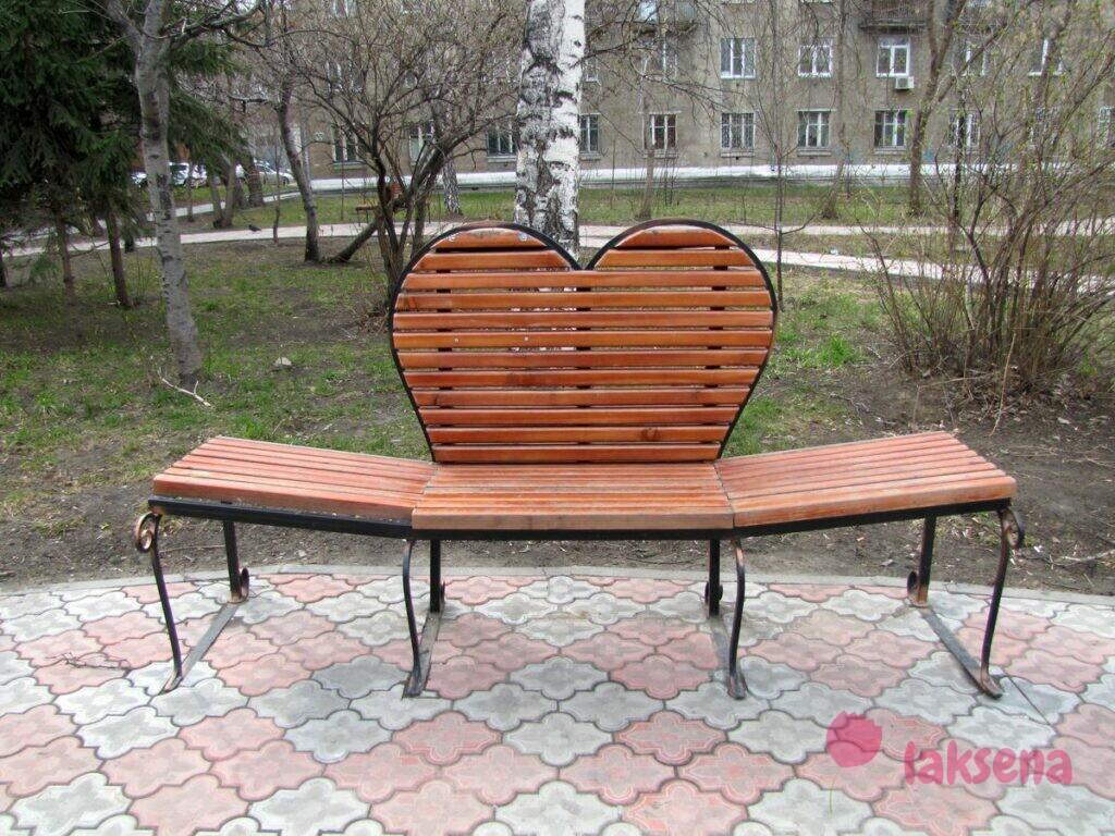 памятники новосибирска улица советская скамья любви